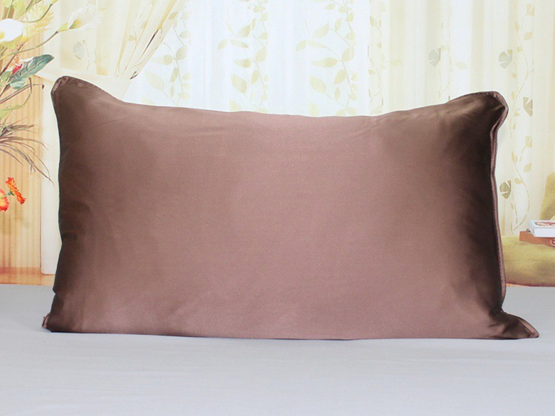 Best Natural Silk Pillowcase for Curly Hair